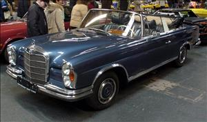 MERCEDES-BENZ 220S/SE Cabriolet cover art